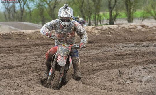 minibike, moto , practice , riding, bike, gilles van belle, bucci f15, helecine, track, fun, goodtimes, fail, youtube, facebook, webshop, wet , muddy , unlucky , bottom of the box , minibike champs
